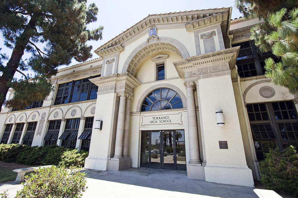 Trường Trung học công lập Mỹ Torrance Unified School District - Bang California