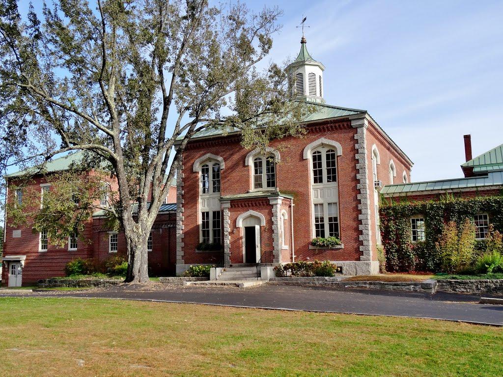 Trường trung học nội trú Fryeburg Academy (Bang Maine)