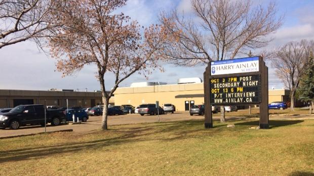 Hệ thống trường trung học công lập Edmonton Public Schools - Harry Ainlay High School (bang Alberta)