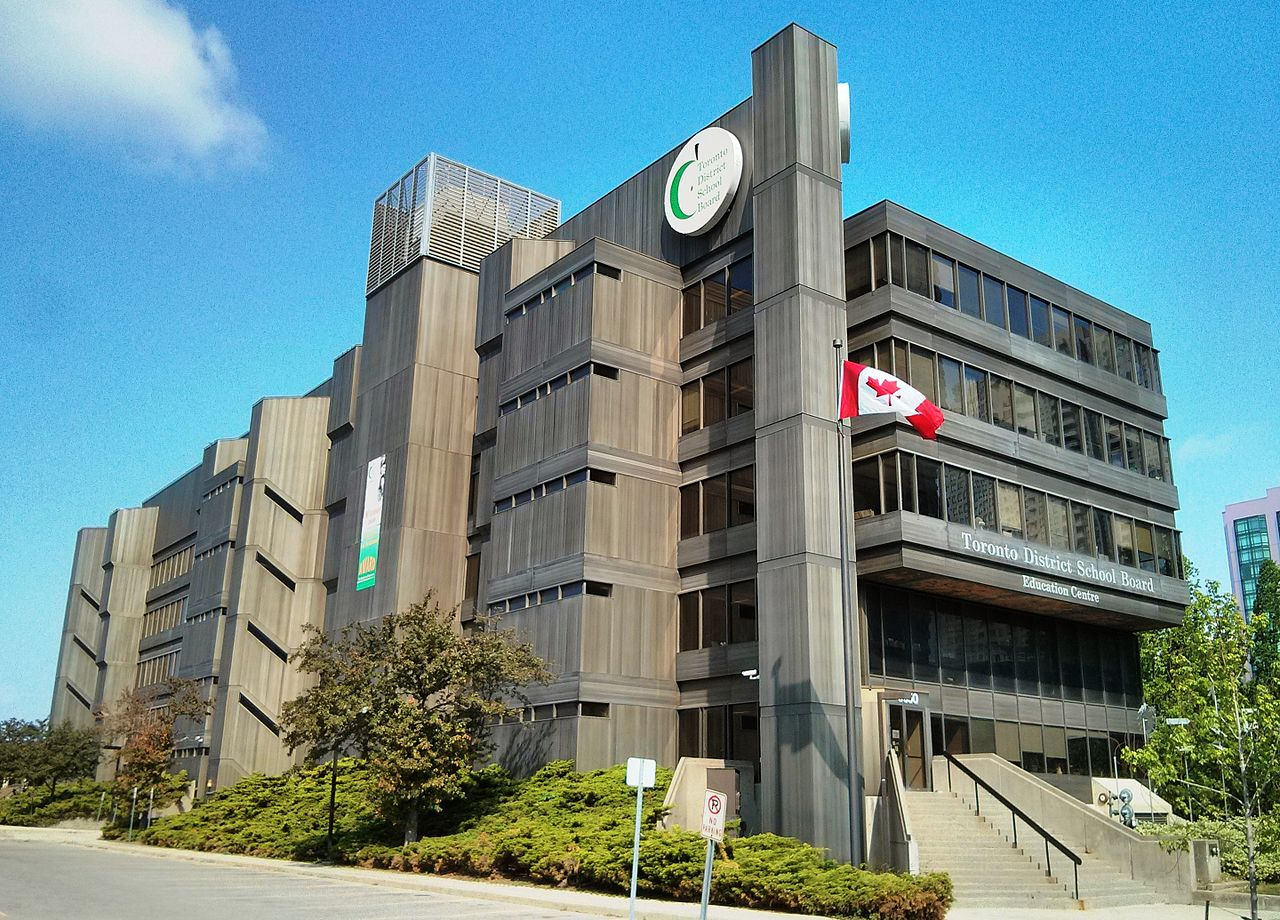 Hệ thống trung học công lập Toronto District School Board