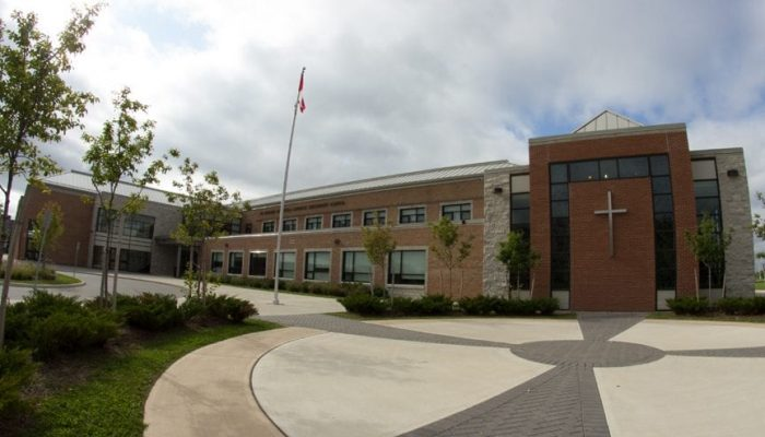 Trường trung học St.Ignatius of Loyola Catholic Secondary School - Bang Ontario (N)
