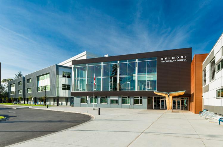 Hệ thống trường trung học công lập Sooke School District - bang British Columbia