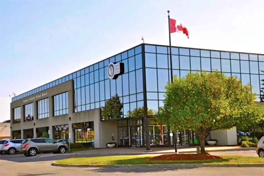 Hệ thống trường trung học công lập Ottawa Catholic School Board - Bang Ontario