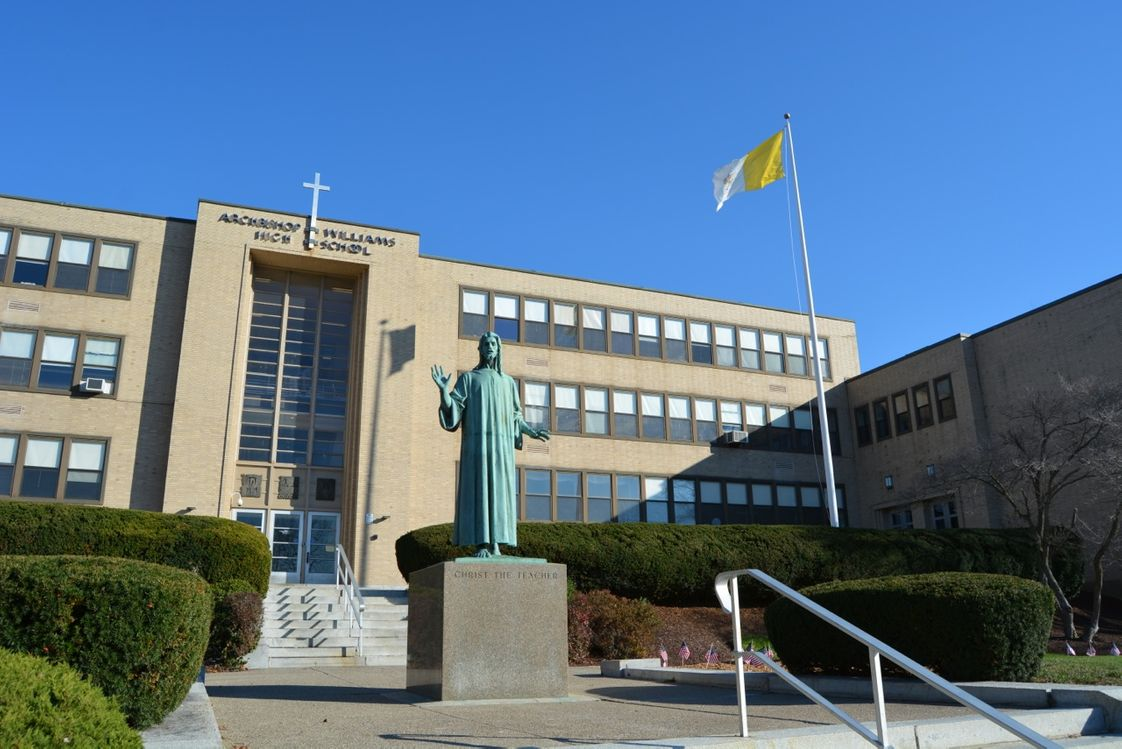 Trường trung học Archibishop Williams, Massachusetts (NE)