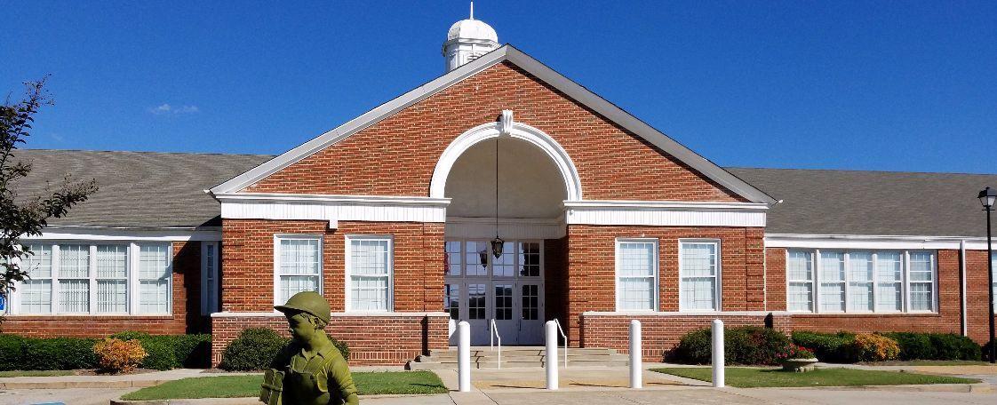 Trường trung học công lập Henry County School District - Bang Georgia (E)