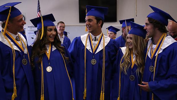 Trường trung học tư thục Bakersfield Christian High School - bang California (GE)