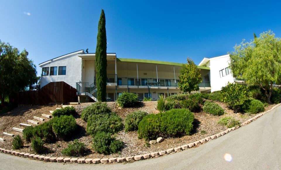 Trường trung học nội trú Besant Hill School of Happy Valley - Bang California (GE)