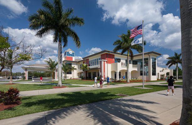 Trường trung học nội trú Community School of Naples - Bang Florida (GE)
