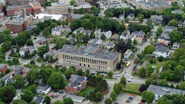 Trường trung học nội trú John Bapst Memorial High School - Bang Maine (GE)