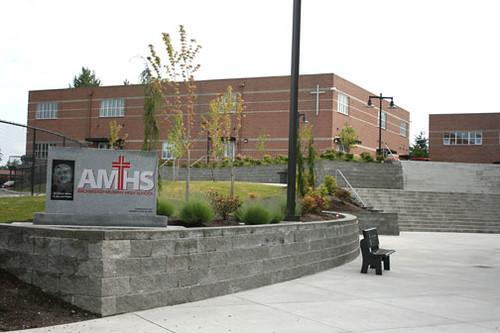 Trường trung học tư thục Archbishop Murphy High School - Bang Washington (C)