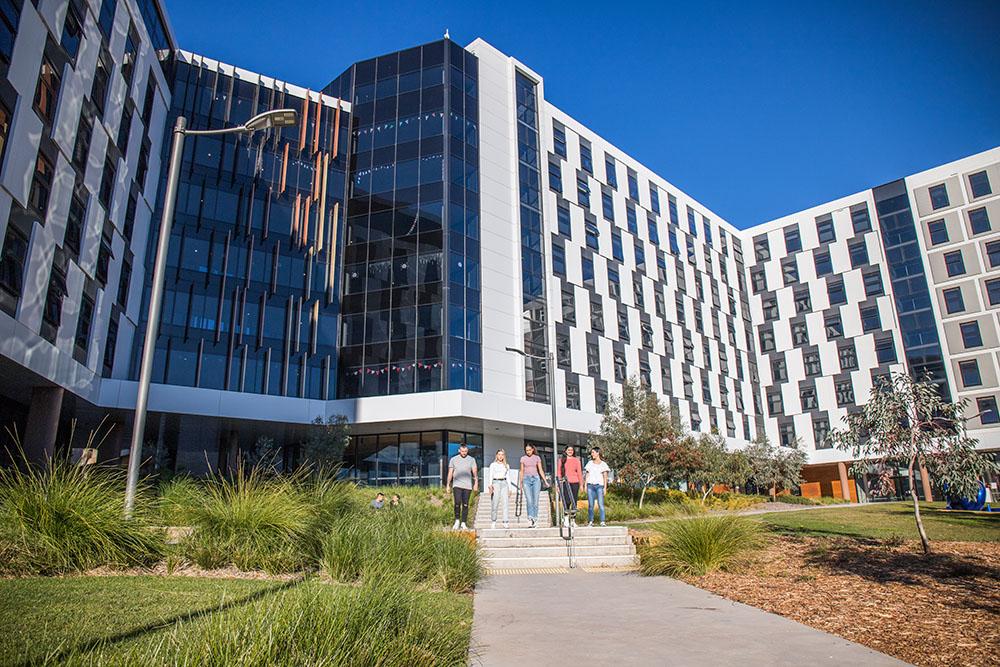 Trường đại học Canberra - University of Canberra