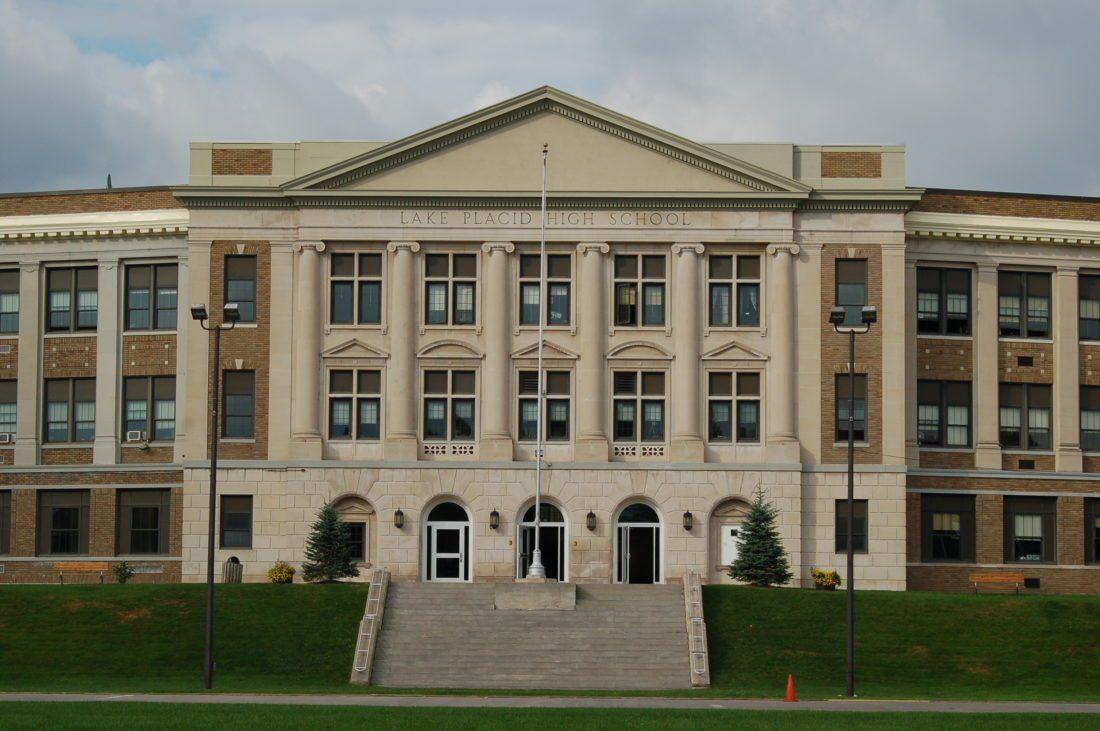 Trường trung học công lập Lake Placid Central School - Bang New York (E)